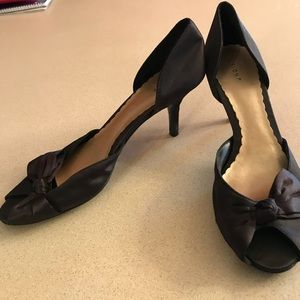 Fioni black heel with bows Size 8